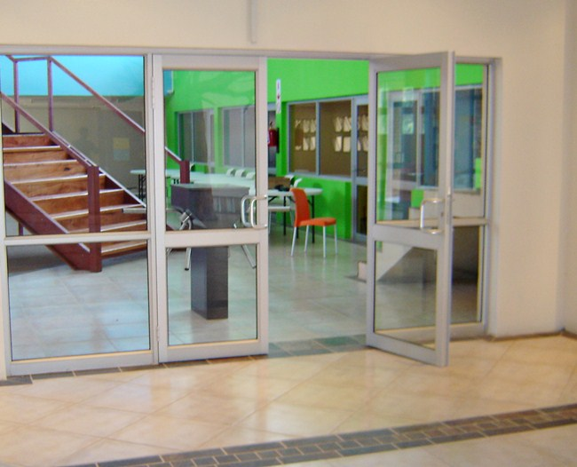 double-entrance-aluminium-doors
