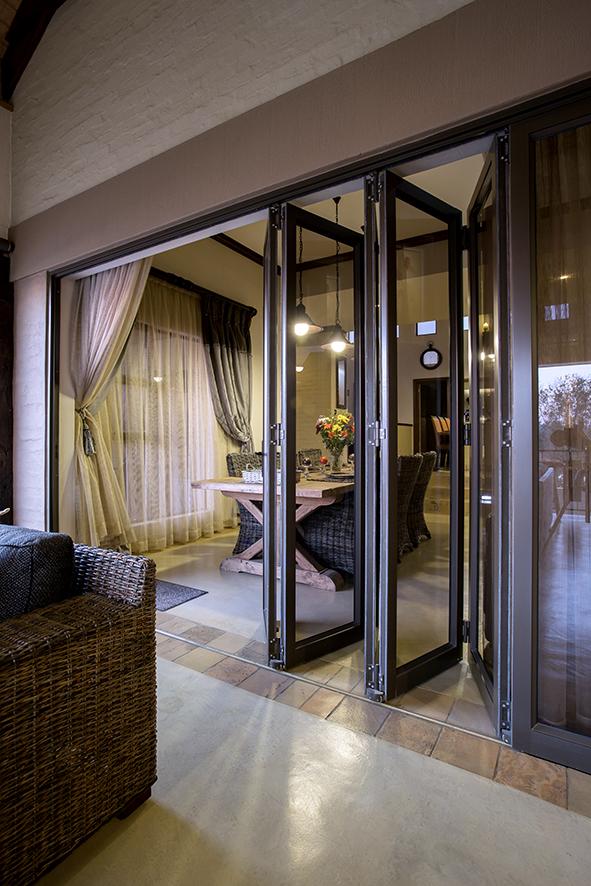 sliding-folding-aluminium-doors